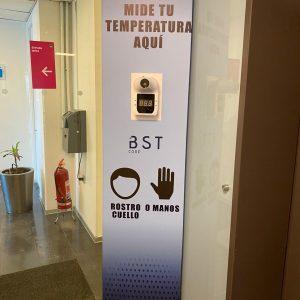 totem con termometro BST